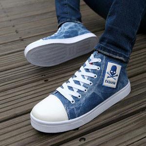 穿着荧光鞋情侣头像_gucci荧光鞋