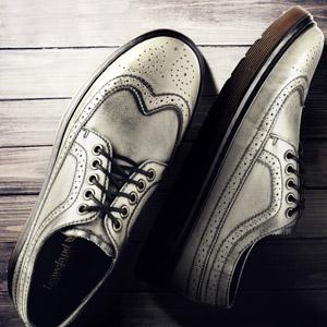 布洛克雕花英伦休闲鞋